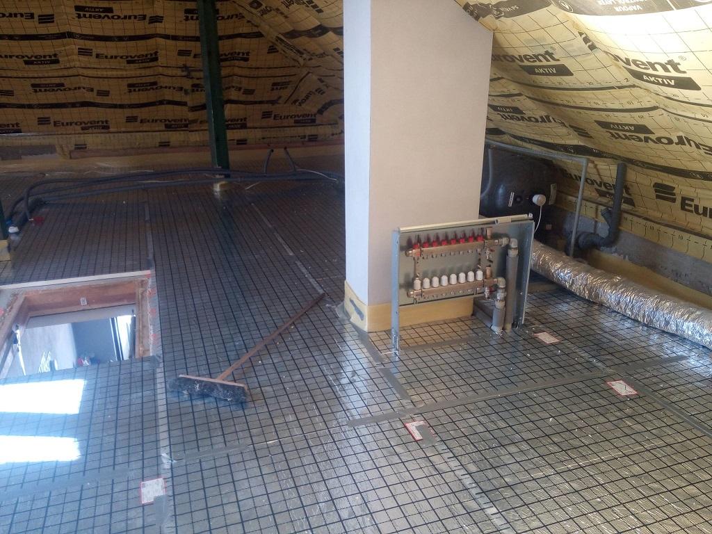 Ogrzewanie podłogowe oraz instalacja wodna w Mircu.