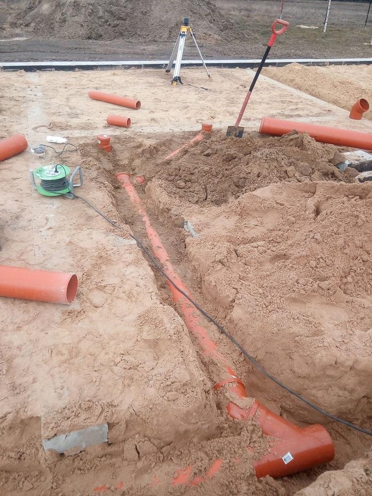 Kanalizacja w nowo budowanym domu w Ostrożance