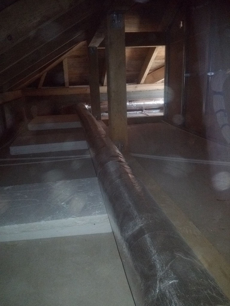 Rozłożenie kanałów do rekuperacji w nowym domu w Starachowicach