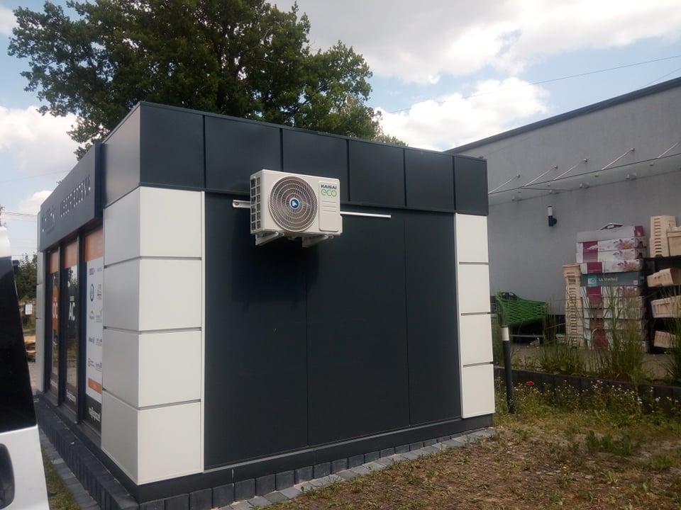 Dwa klimatyzatory KAISAI zamontowane w agencjach ubezpieczeniowych w Starachowicach i w Brodach.