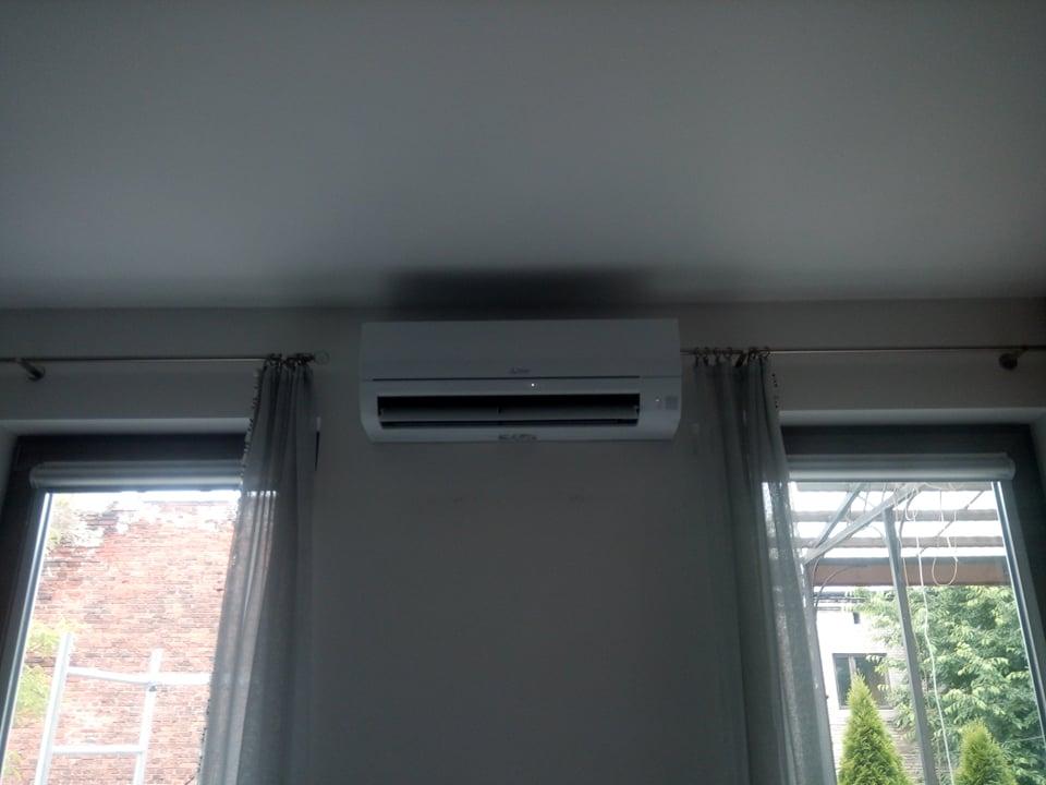 Klimatyzator Mitsubishi 5 kw zamontowany w domu w Starachowicach.