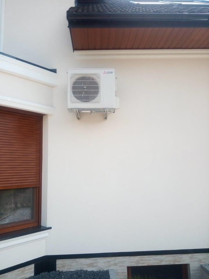 2 klimatyzatory 5 kw Mitsubishi zamontowane w miejscowości Cząstków