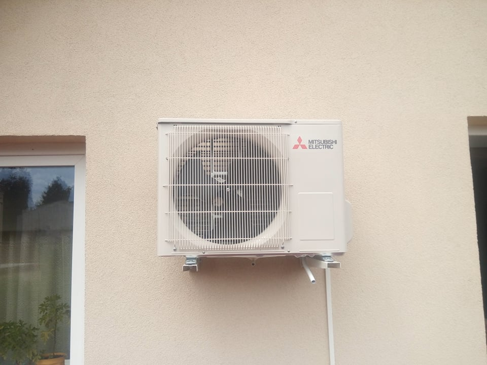 Klimatyzator Mitsubishi 2,5 kw zamontowany w Starachowicach