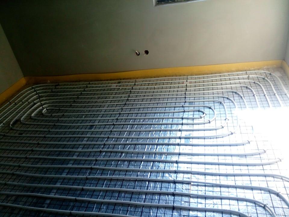 Ogrzewanie podłogowe w nowym domu w Starachowicach.