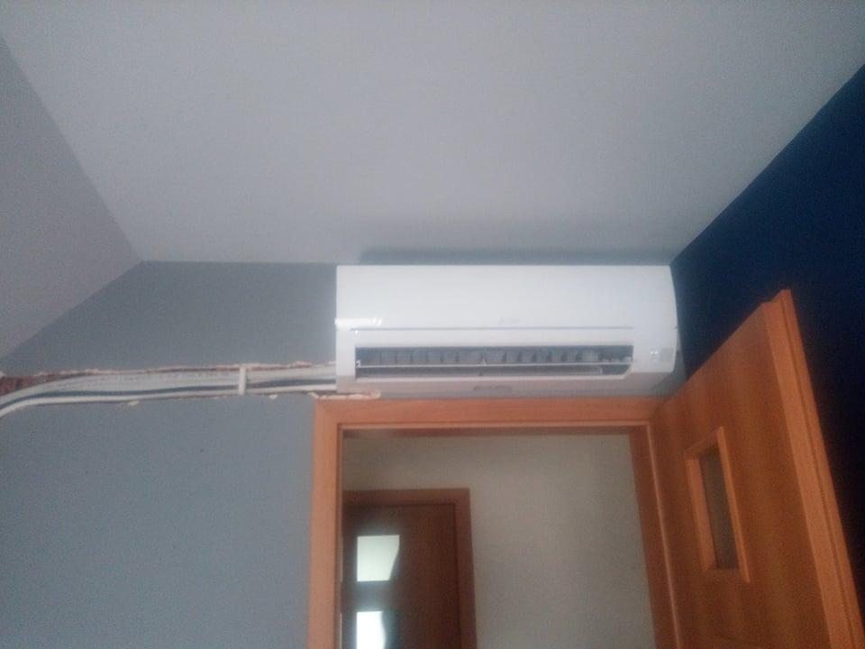 3 klimatyzatory Mitsubishi zamontowane w domu w Starachowicach.