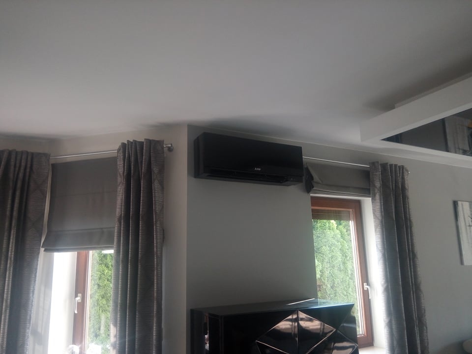 Klimatyzator Mitsubishi EF zamontowany w Starachowicach